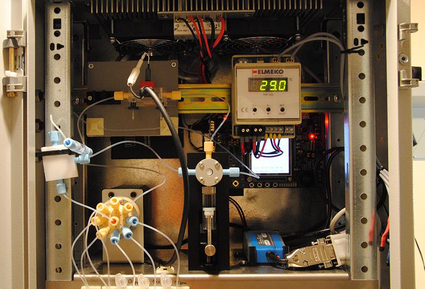 Sampling apparatus for deoxynivalenol detection